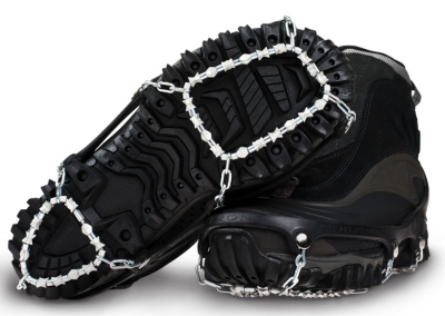 yaktrax-diamond-grip-black-boots