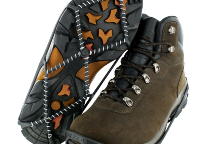 yaktrax-walk-brown-boots
