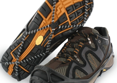 yaktrax-walk-brown-trainerss